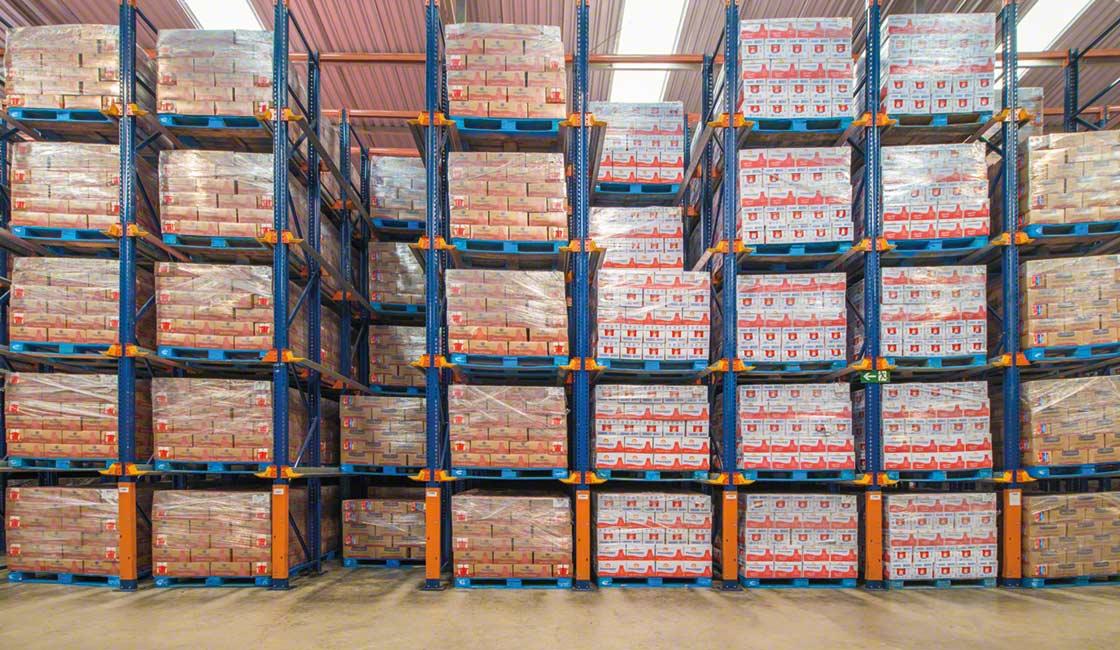 Las estanterías compactas aprovechan el espacio disponible para dar cabida a más productos