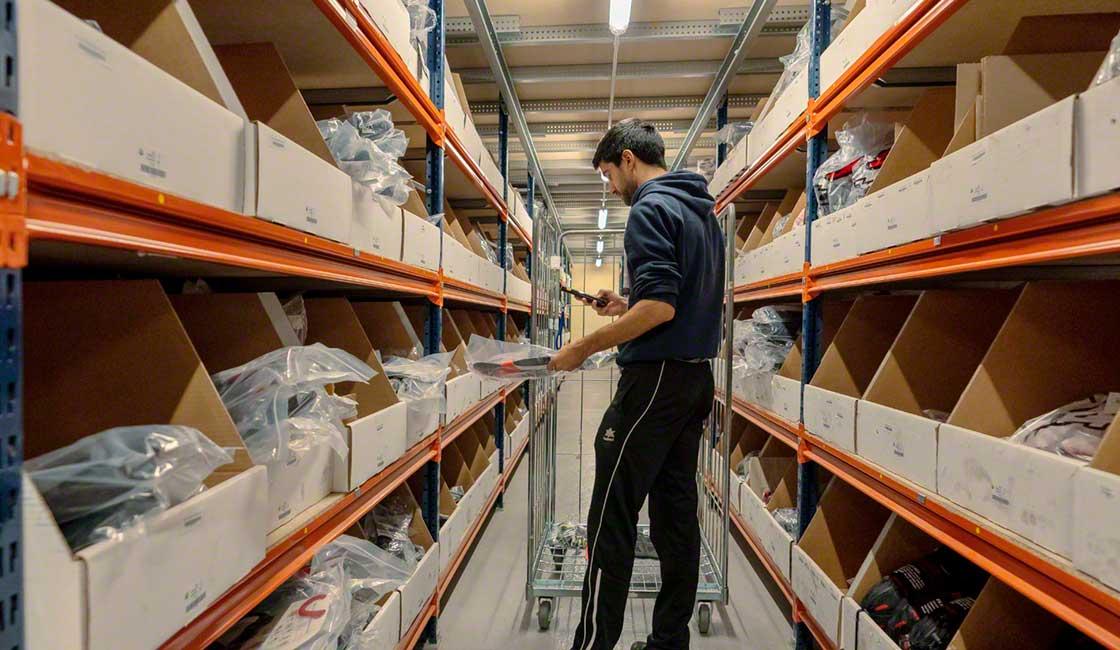 Los e-commerce deben gestionar su inventario con precisión para evitar retrasos y errores