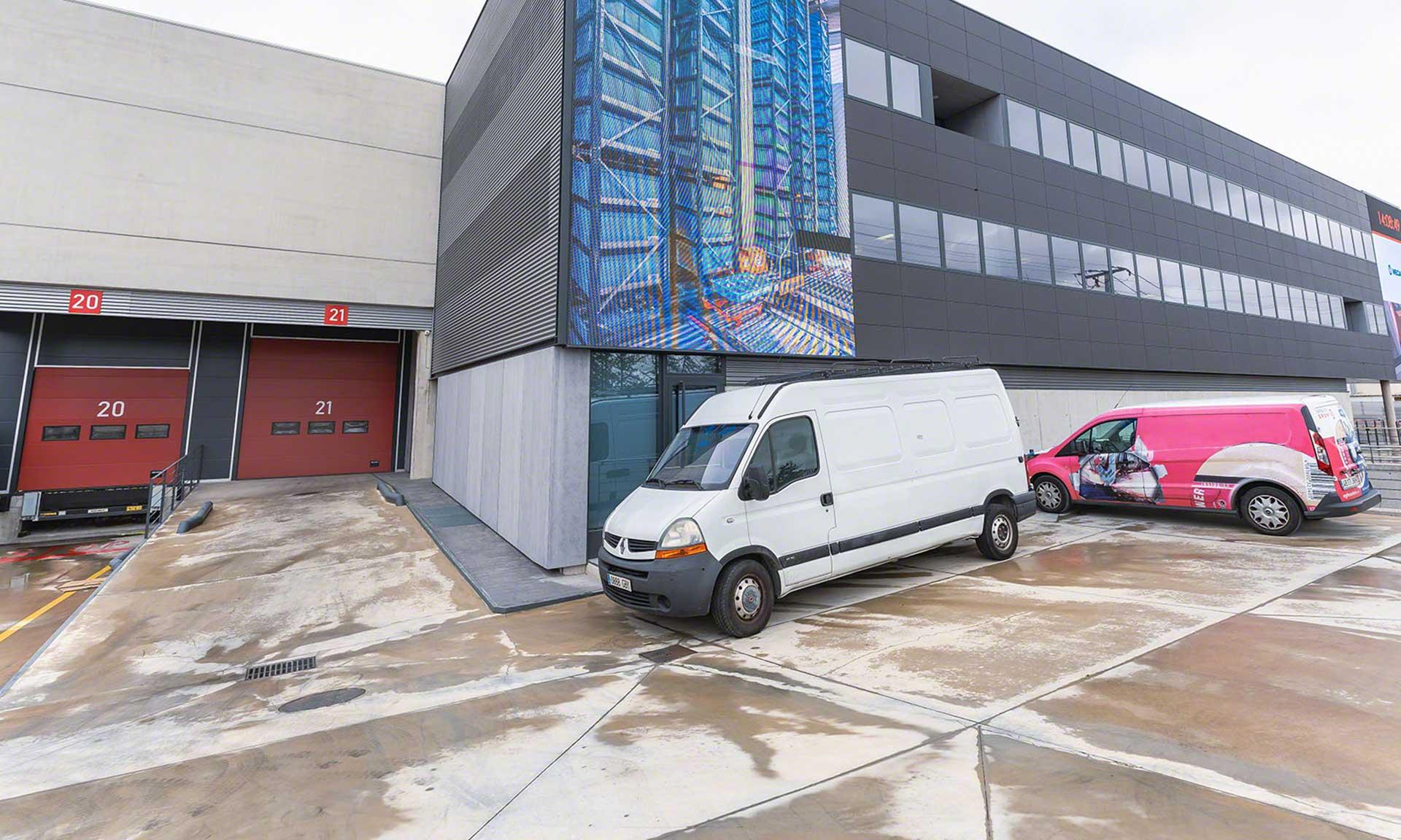 La logística urbana engloba todos los movimientos relacionados con el suministro de bienes en las ciudades