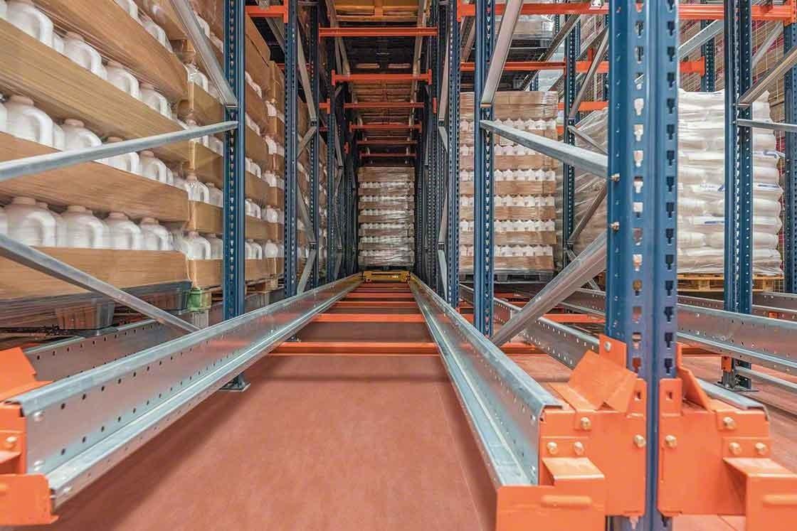 La profundidad de los canales difiere en función de los distintos sistemas de almacenamiento compacto