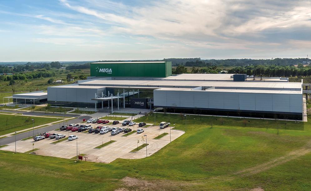 Mecalux ha construido para Mega Pharma un nuevo almacén automático autoportante en Uruguay con una capacidad que supera los 6.900 palets