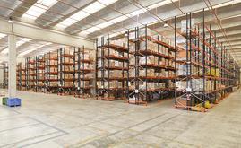 La sectorización permite almacenar de forma eficiente toda la mercancía, a la vez que cumplir la normativa local referente a la prevención y protección contraincendios