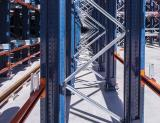 ¿Qué acabado ofrece mayor protección frente a la corrosión en las estanterías?