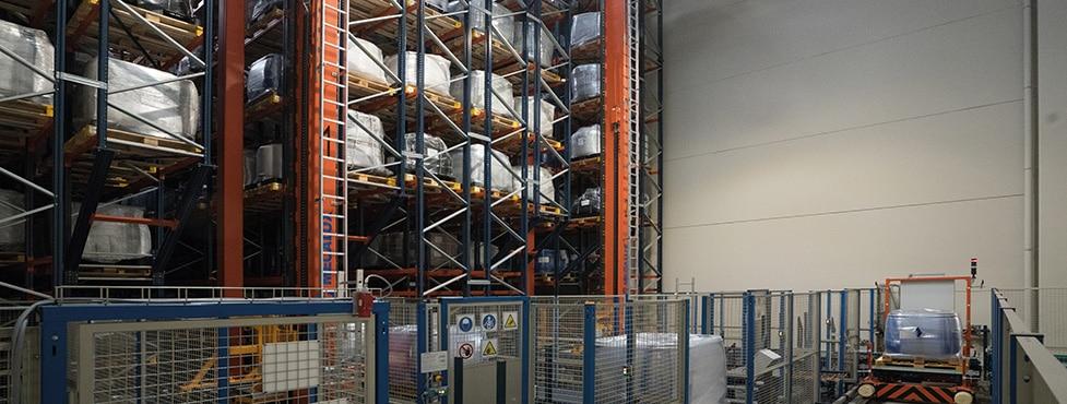 El fabricante de productos químicos Trumpler construye un almacén automático con transelevadores y transportadores junto a su fábrica de Barcelona