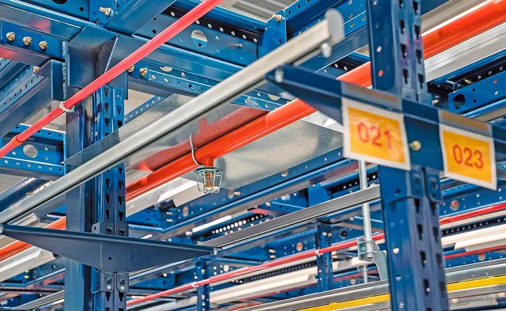 Medidas de protección para las estanterías metálicas y los almacenes frente al riesgo de incendio