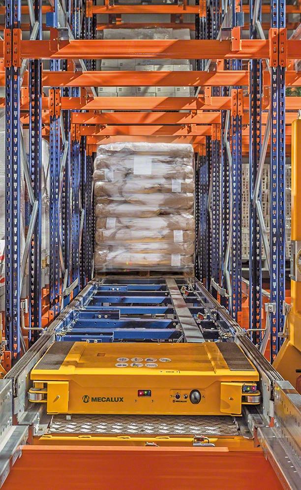 El sistema Pallet Shuttle proporciona una máxima capacidad de almacenaje