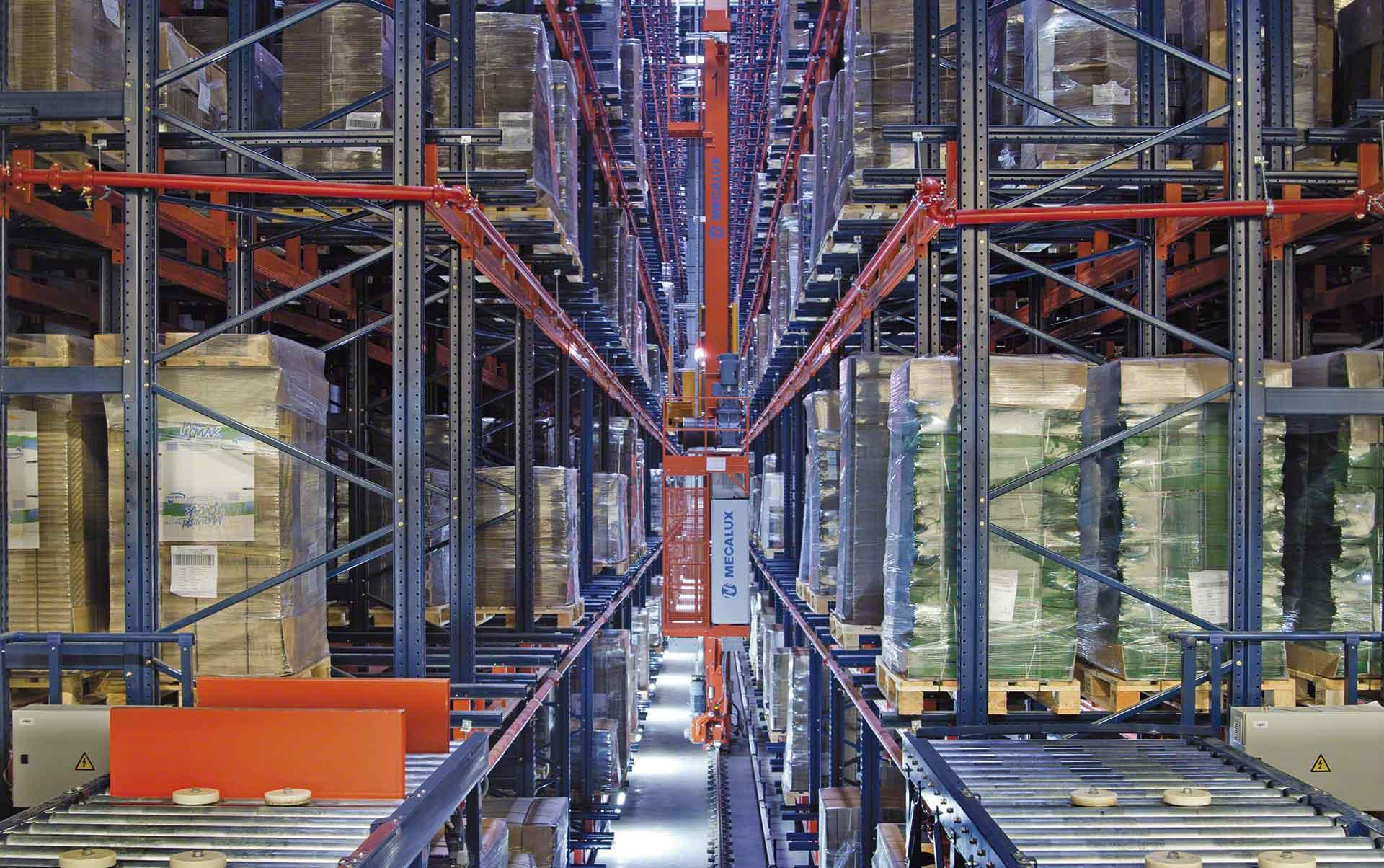 El almacén de WOK está dirigido por el sistema de gestión Easy WMS de Mecalux